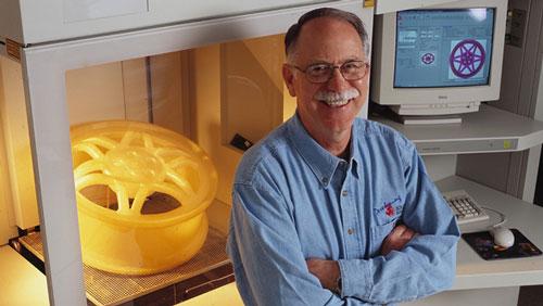 سه بعدی استریولیتوگرافی چاک هال زندگینامه
