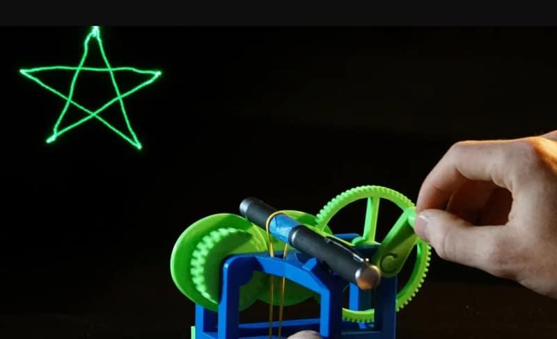 پروژه آخر هفته: آموزش پرینت سه بعدی پروژکتور لیزری مکانیکی