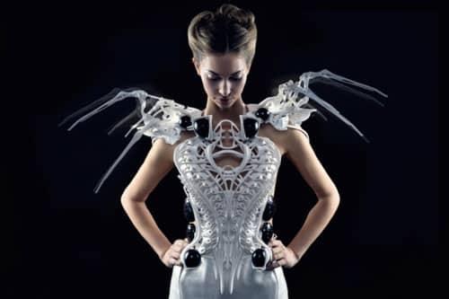 پرینت سه بعدی لباس رباتیک زنانه با الهام از عنکبوت