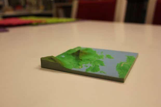 چگونه نقشه های زمین شناسی را پرینت سه بعدی کنیم